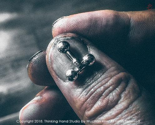 김우찬 관절뼈대 힢 부품과 손